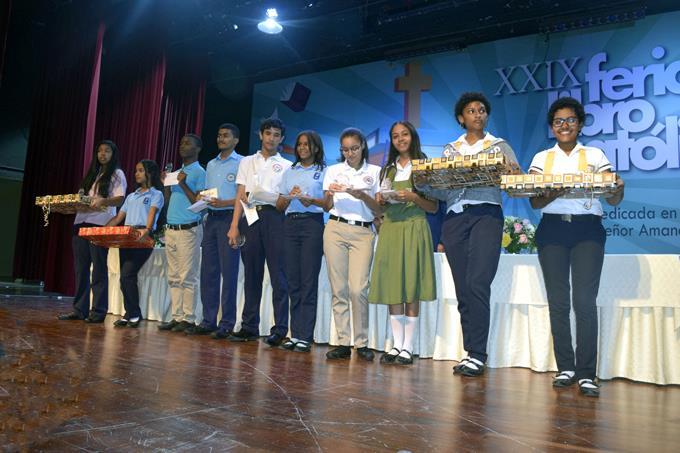 premiación del concurso historia de la Iglesia