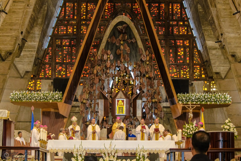 celebración del 50 aniversario sacerdotal de Mons. Nicanor Peña