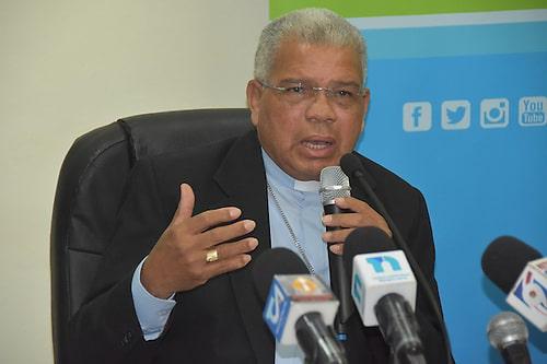 Mons. Francisco Ozoria. comisión para casos de abuso.
