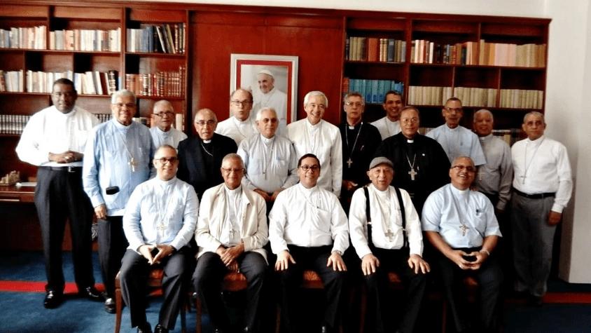 Obispos dominicanos con Mons. Jorge Patrón Wong